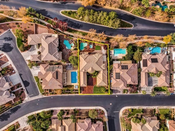 Drone photo of Las Vegas home showing property bounds